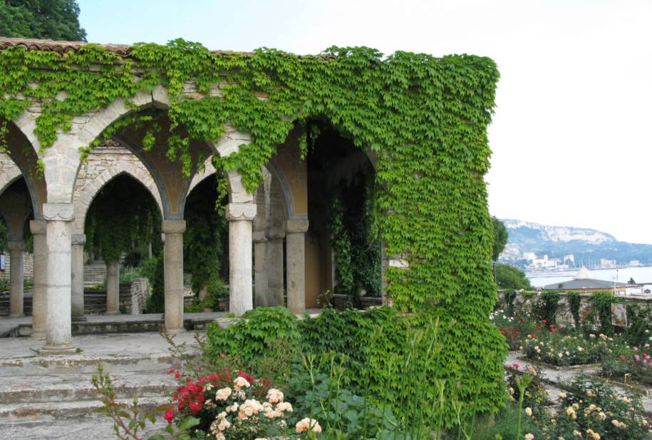 the palace in Balchik - the Nymphaeum